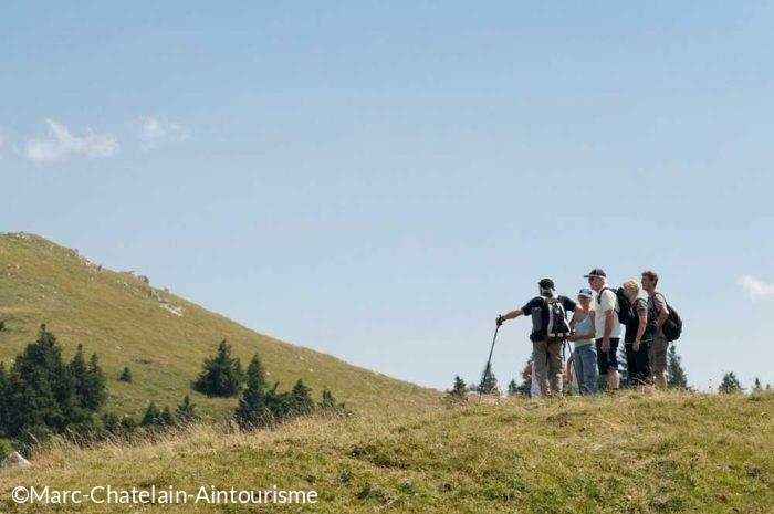 Randonnee pedestre groupe sur les cretes