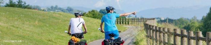 A vélo le long de la ViaRhôna dans l'Ain