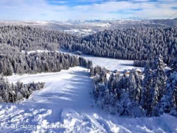Ski sur le Plateau d'hauteville enneigé