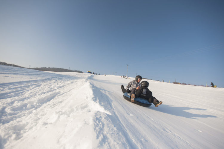 Luge, Air Board, Snow Tubbing Plans d'Hotonnes