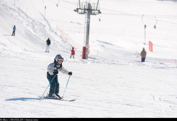 enfant en ski alpin aux Plans d'Hotonnes
