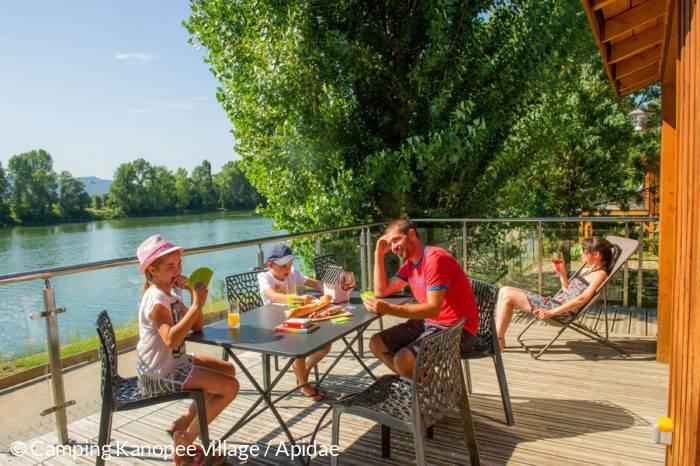 En Chalet en famille au camping KanopeeVillage de Trevoux
