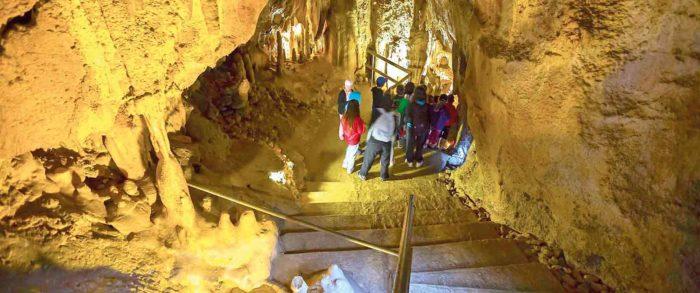 Grottes du Cerdon, visite en groupe